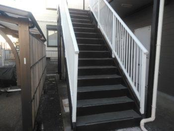 龍ヶ崎市 アパート 鉄骨階段塗装 シート張替え 軒天張替え